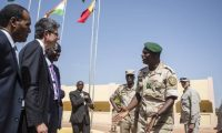 غرب إفريقيا: قلق دولي إزاء توسع الإرهاب والقرصنة البحرية والجريمة العابرة للحدود