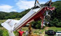 قائد طائرة تحطمت في البحر صور عملية إنقاذه مع راكبة وهو يضحك