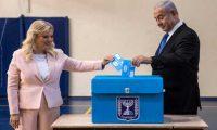 نتنياهو يتوقع تقاربا في نتائج الانتخابات وجانتس يدعو الإسرائيليين إلى رفض الفساد والتطرف