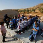 أطفال فلسطين: سنطلب العلم ولو.. بين بنادقهم