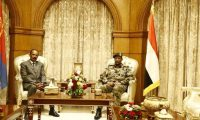 البرهان وحمدوك يلتقيان الرئيس الإرتيرى