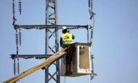 كهرباء إسرائيل تتجه لقطع التيار عن أكبر مزود فلسطيني للطاقة