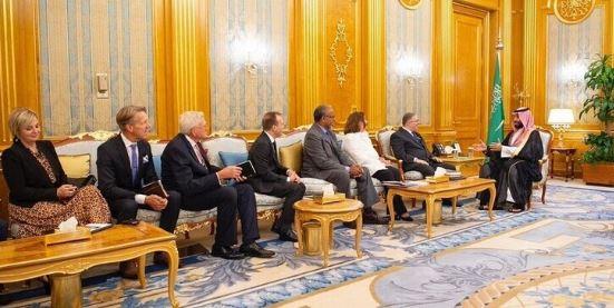 ولي العهد السعودي يلتقي رئيس وفد القيادات المسيحية الإنجيلية