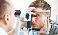 6 عادات يومية تضر العيون