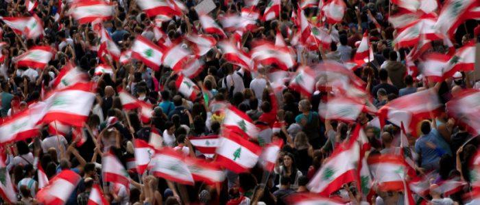 لبنان نحو المجهول.. السياسيون والنشطاء لا يعرفون طريقاً لإنهاء الأزمة