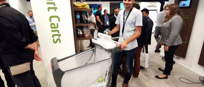 شاب مصري يبتكر عربة ذكية للتسوق