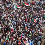"""""""المهنيين السودانيين"""" يدعو لمسيرات للمطالبة بحل حزب """"البشير"""""""