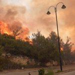 حرائق تجتاح لبنان
