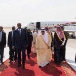 الملك سلمان يبحث مع حمدوك تعزيز التعاون بين السعودية والسودان