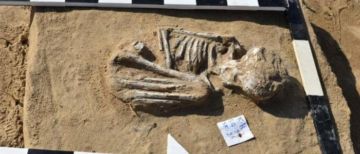 الكشف عن مقبرة تعود للعصرين الروماني واليوناني