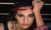 """منة حسين أول فنانة مصرية تترشح لجائزة """"هوليوود ميوزيك"""" الأمريكية"""