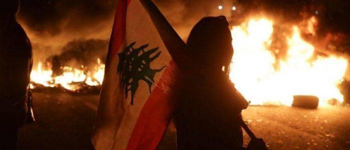"""الشارع اللبناني """"يلتهب"""" بعد خطاب عون"""