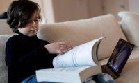 الطفل لورنت (9 سنوات) يوقف دراسته الجامعية في هولندا