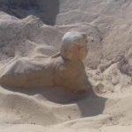 """اكتشاف تمثال ملكي يشبه """"أبو الهول"""""""