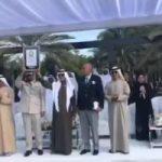 الإمارات تتسلم شهادة أطول سلسلة تصافح في العالم من موسوعة جينيس