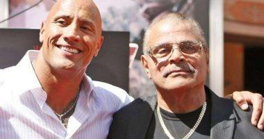 """وفاة المصارع العالمى روكى جونسون والد """"ذا روك"""""""