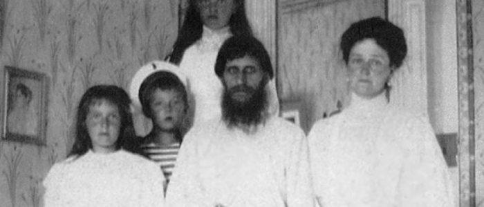 تعرف على راسبوتين.. راهب نجا من السم والطعن والرصاص وتنبأ بسقوط إمبراطورية روسيا
