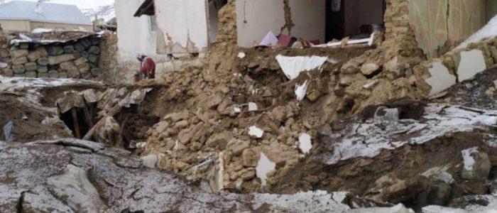 زلزال يضرب إيران يوقع  7ضحايا في تركيا و آخرون محاصرون تحت الأنقاض