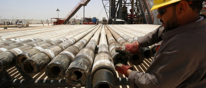 العراق يزود مصر بـ12 مليون برميل نفط سنويا