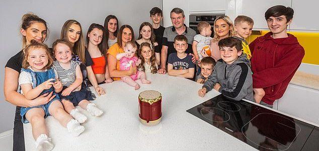 بريطانية لديها 21 طفلاً ترزق بطفل جديد