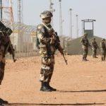 كبار ضباط الجيش الجزائرى يتبرعون براتب شهر لمكافحة فيروس كورونا
