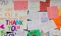 ميشيل أوباما تدعو لتوجيه رسائل شكر بخط اليد للأطباء وعاملى المستشفيات والدليفرى