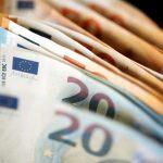 سرقة امرأة في ألمانيا بعد سحبها 50 ألف يورو من البنك خوفا من إفلاسه بسبب كورونا