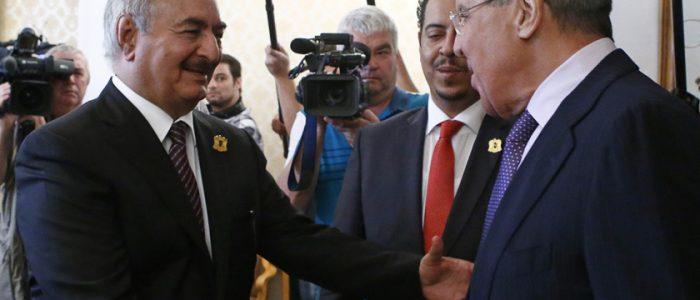 """روسيا ترفض إعلان حفتر نفسه """"زعيماً لليبيا"""".. لافروف: لا نوافق على تحرك الجنرال لفرض سيطرته"""