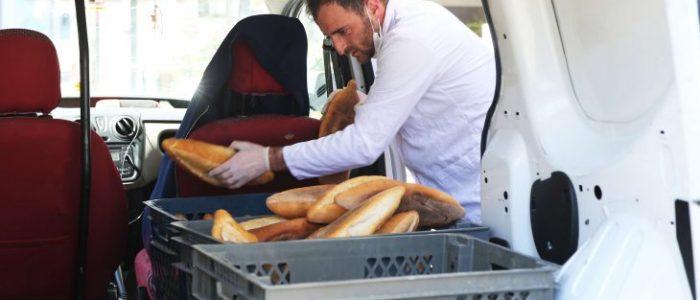 التايمز: عادة تقديم الخبز المجاني العثمانية تزدهر في إسطنبول والكل محتاج