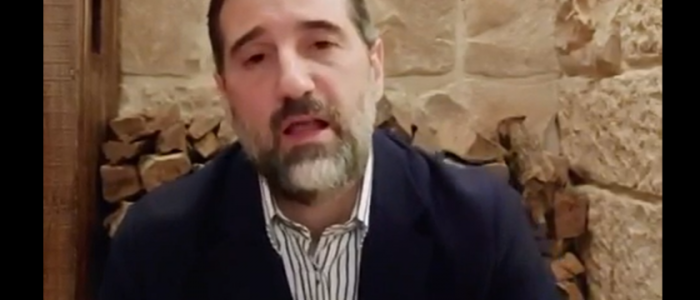 رامي مخلوف يشير إلى اعتقال الاستخبارات لموظفي شركاته