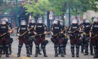 الحرس الوطني الأمريكي يصل منيابوليس لإخماد الاضطرابات العنيفة