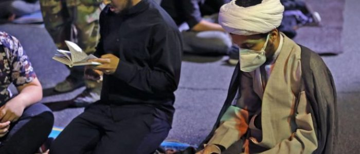 واشنطن بوست: معالجة رجال الدين الفاشلة لفيروس كورونا أفقدتهم ثقة الإيرانيين