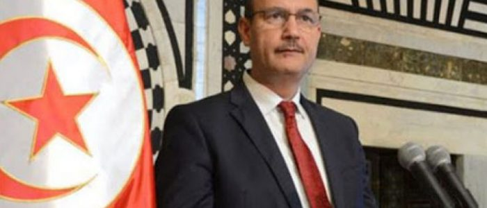 اخضاع وزير تونسي للحجر فور عودته لبلاده قادماً من فرنسا