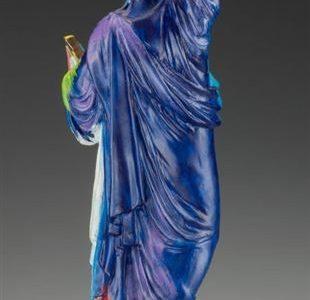 تمثال الحرية: رمزية التعبير المعاصر ودلالات التصورات الفنية