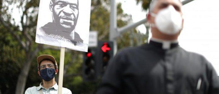 سلطات مينيسوتا ترفع دعوى مدنية ضد الشرطة بسبب وفاة فلويد