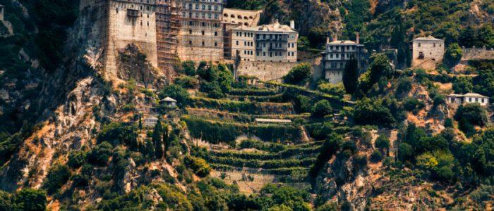 تعرف علي قصة جبل آثوس المقدس