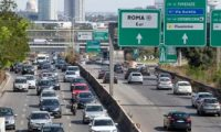 دراسة: الإيطاليون يهدرون 38 ساعة سنويا فى الزحام المرورى