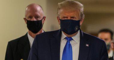 ترامب يبدأ جولته فى أحد المصانع بولاية أوهايو مرتديا كمامة
