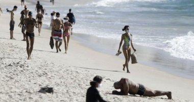 """صحيفة إسبانية تصف فتح شواطئ البرازيل بـ""""كارثة"""" لتجاوز وفيات كورونا 120 ألفا"""