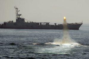 لماذا تكشف إيران عن طائراتها المسيرة ومواصفاتها وهل حقاً تمثل خطراً على إسرائيل؟