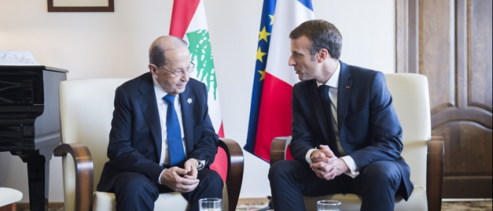 """فرنسا تحذر من اختفاء لبنان.. وماكرون يبعث بـ""""خارطة طريق للإصلاح"""" لتطبيقها قبل زيارته المرتقبة"""