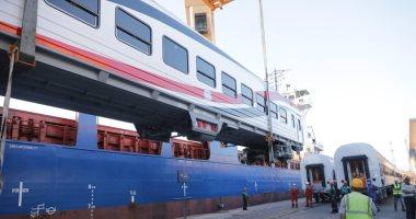 نقل 22 عربة سكة حديد روسية جديدة من ميناء الإسكندرية لورش القاهرة اليوم