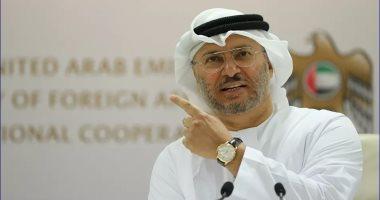 """قرقاش يعلن كسر الإمارات """"الحاجز النفسي"""" بقرار توقيع اتفاق مع إسرائيل"""